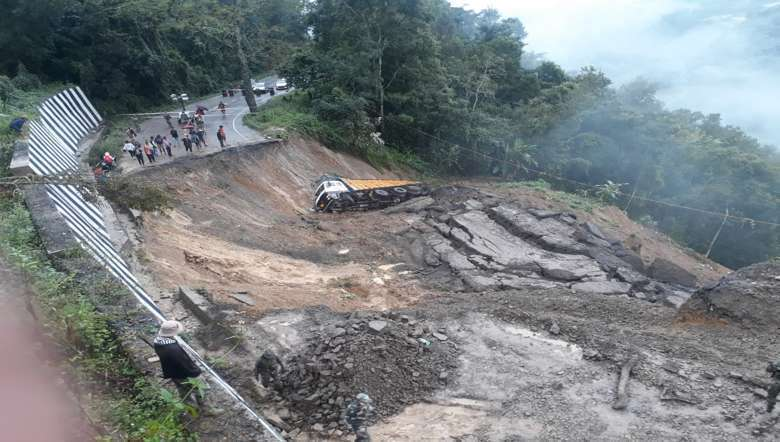 Traffic in NH-2 restored after massive landslide that cut-off the routes to Manipur