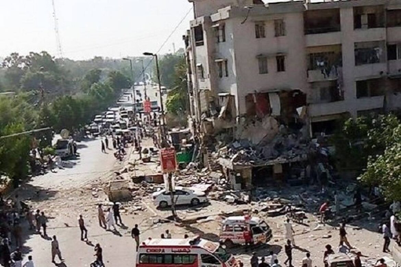 5 dead after explosion in Karachi building