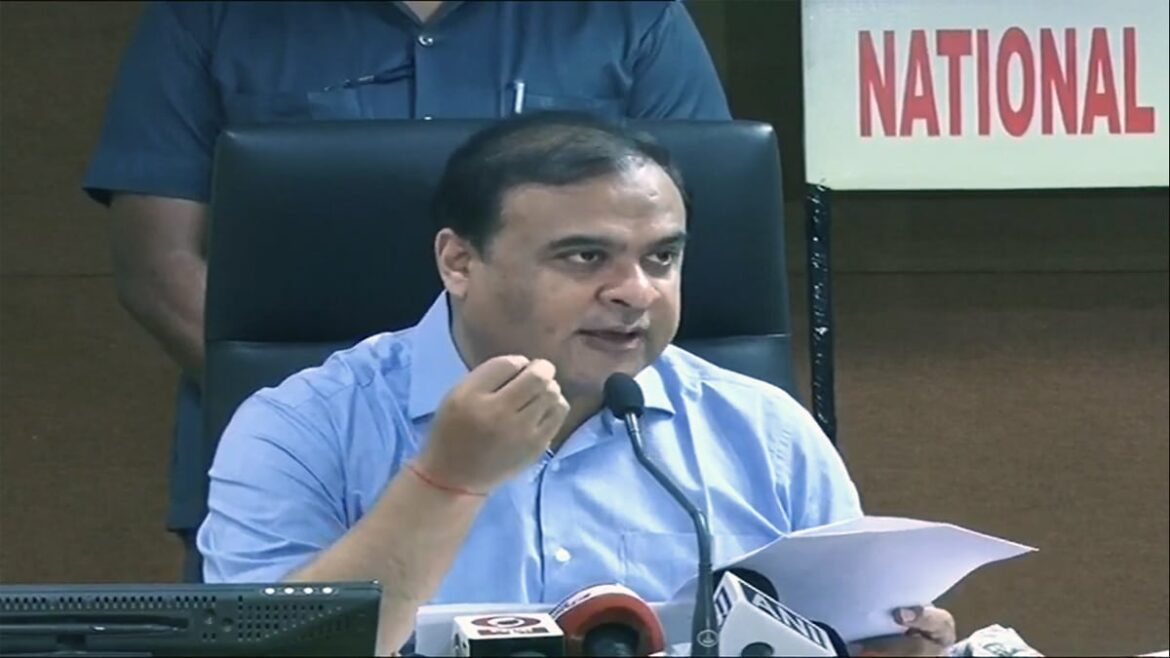 Himanta Biswa Sarma contradicts Pollution Board ban on firecrackers during the Diwali