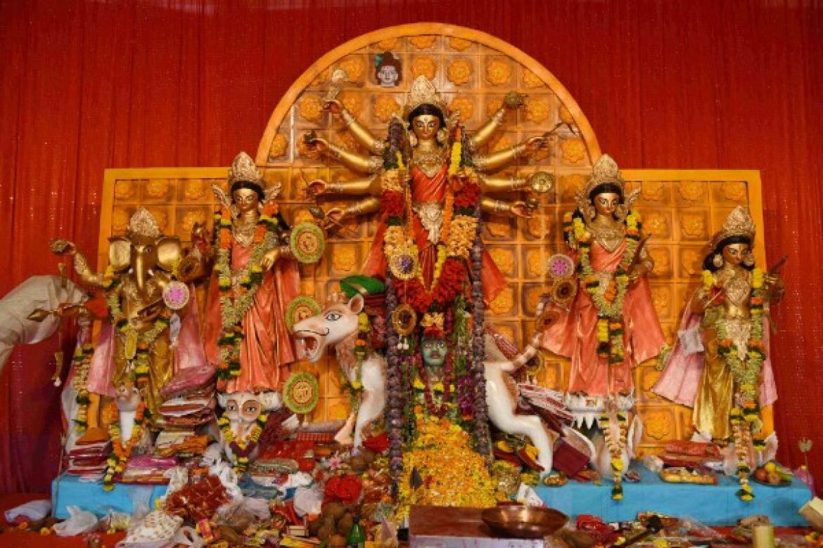 High Court declares Durga Puja pandals as No-Entry zones in West Bengal