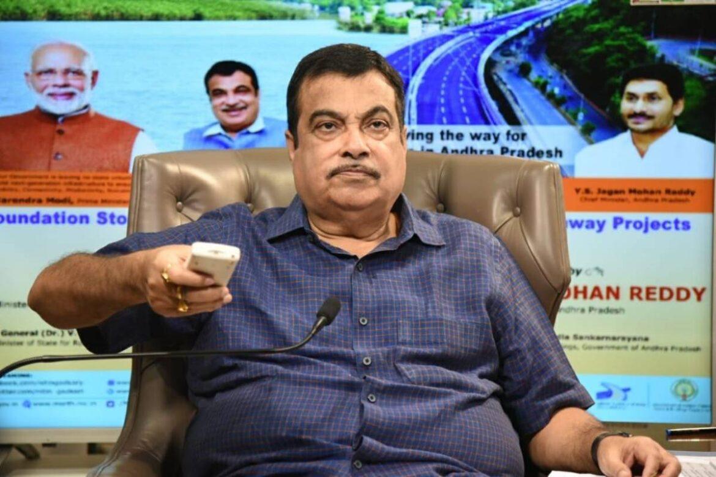 Nitin Gadkari dressing down to NHAI Officials. Gives Damning Indictment Of Bureaucracy