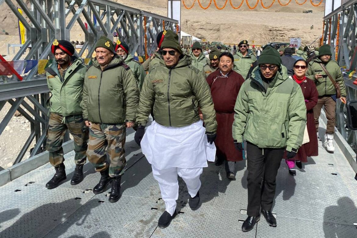 Rajnath Singh will perform 'Shastra Puja' with troops on occasion of Dussehra at forward post