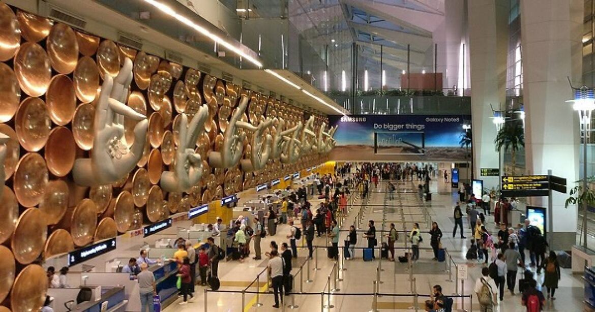 Maharashtra Govt May Suspend Flights and Trains From Delhi after  Spike In COVID-19 Cases : Reports