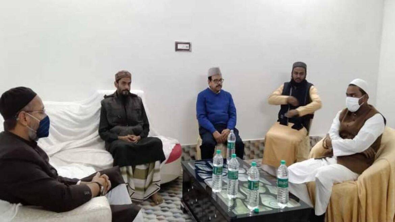Bengal Elections: Asaduddin Owaisi Ties Up With Firebrand Islamic Preacher Abbas Siddiqui Furfura