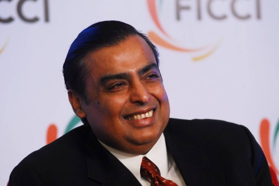Reliance To Integrate JioMart Into WhatsApp To Tap Into Its 400 Million User Base