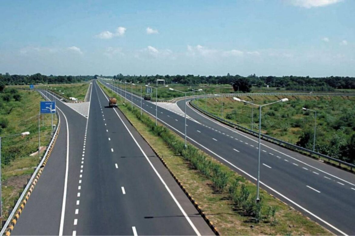 NHAI Achieves Record 30 Km Per Day Highway Construction: Gadkari
